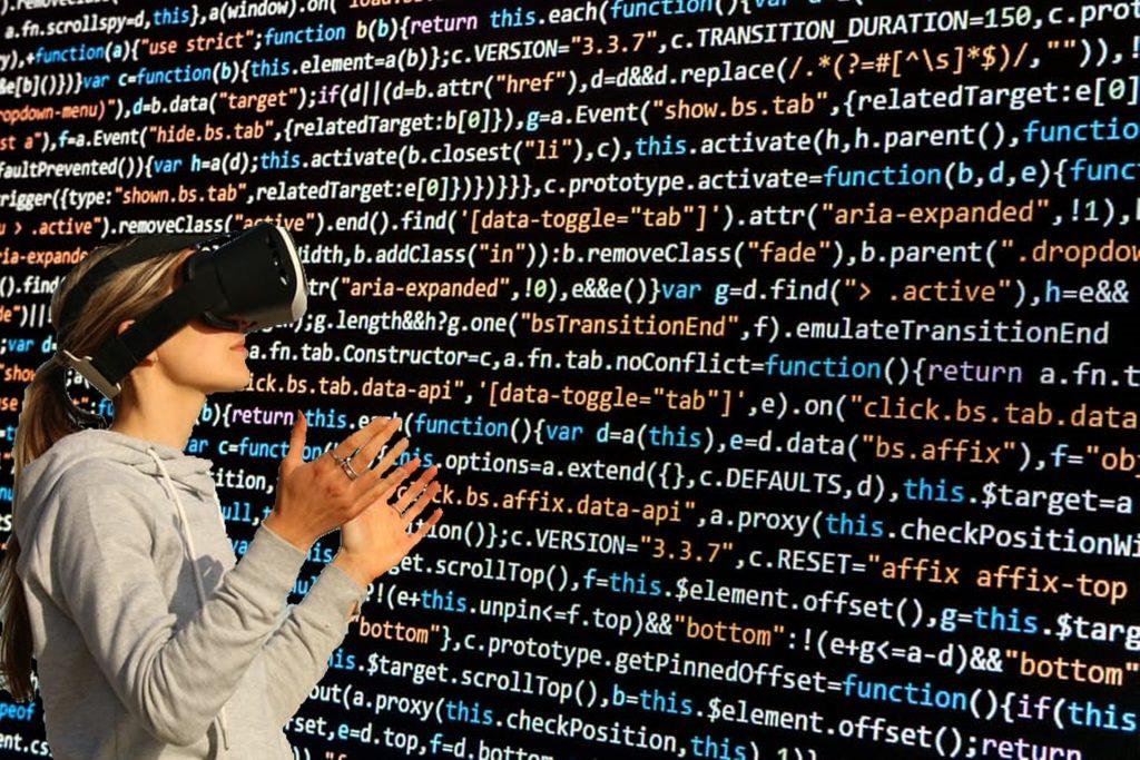 Tecnologias típicas da transformação digital como a realidade estendida ainda têm um custo alto de implementação. Crédito: Pixabay