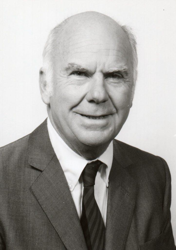 O consultor Albert S. Humphrey desenvolveu a técnica de análise SWOT enquanto trabalhava em Stanford